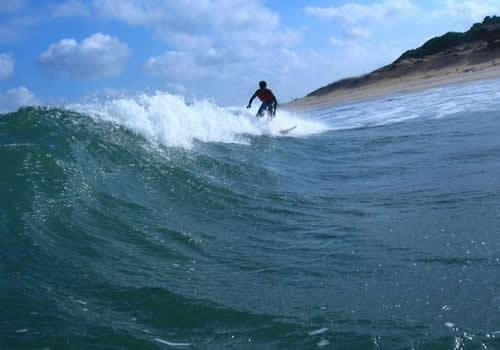 Tour Lanka surfing.