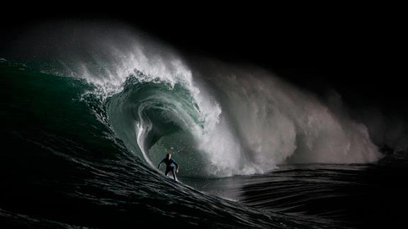 nighttime surfing