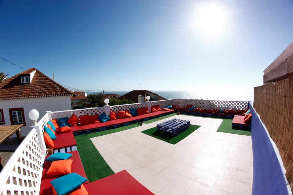 Chillin in Ericeira Surfhouse - Sun deck