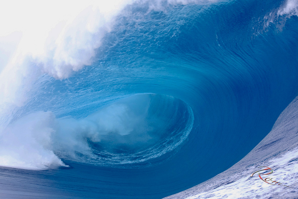 Mighty Teahupoo