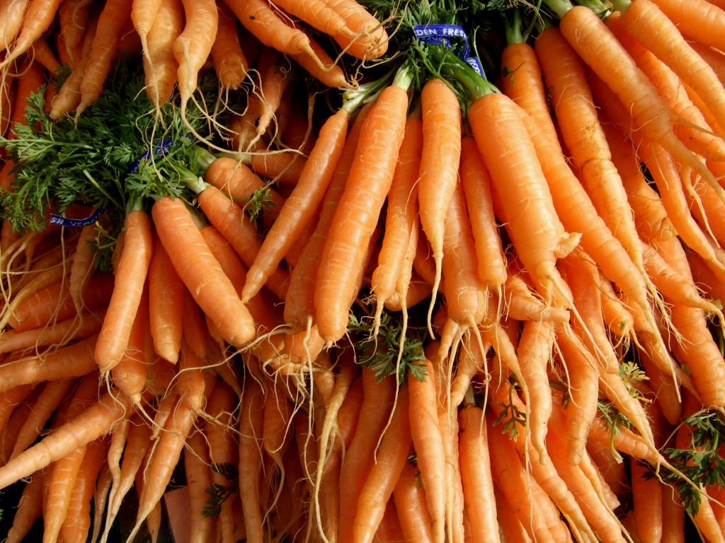 Carrots and ginger juice - photo wikimedia commons