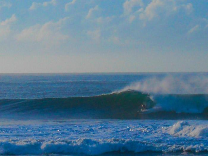 El Salvador surf.