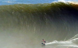 Brad Domke surfing a skimboard at Puerto Escondido - Photo credit Dylan Palmer