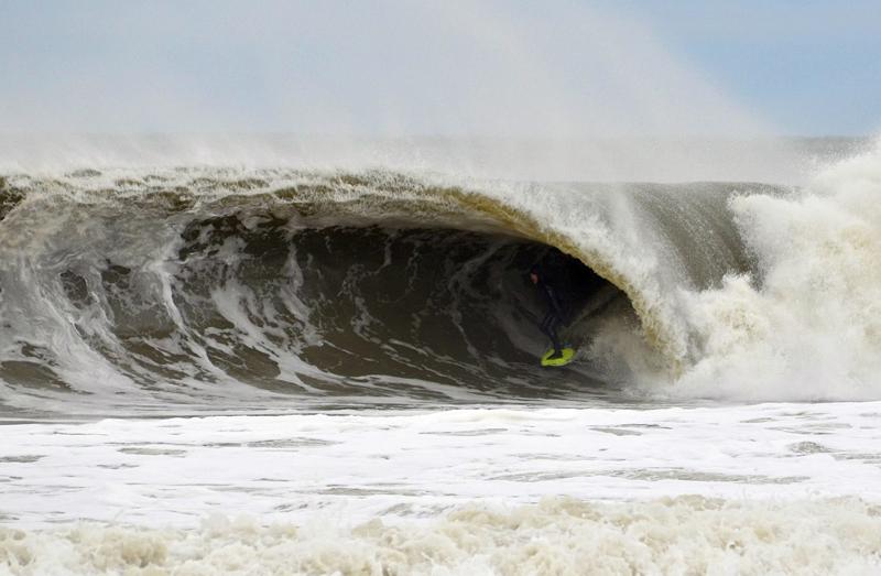 Zack Humphries surfing Bayhead, New Jersey - © Matthew Lang